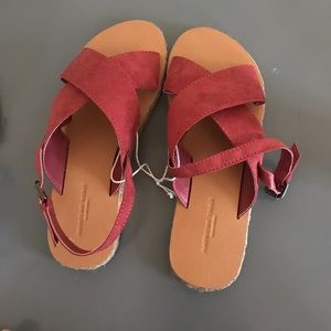 NEW, never worn American eagle sandals size 7